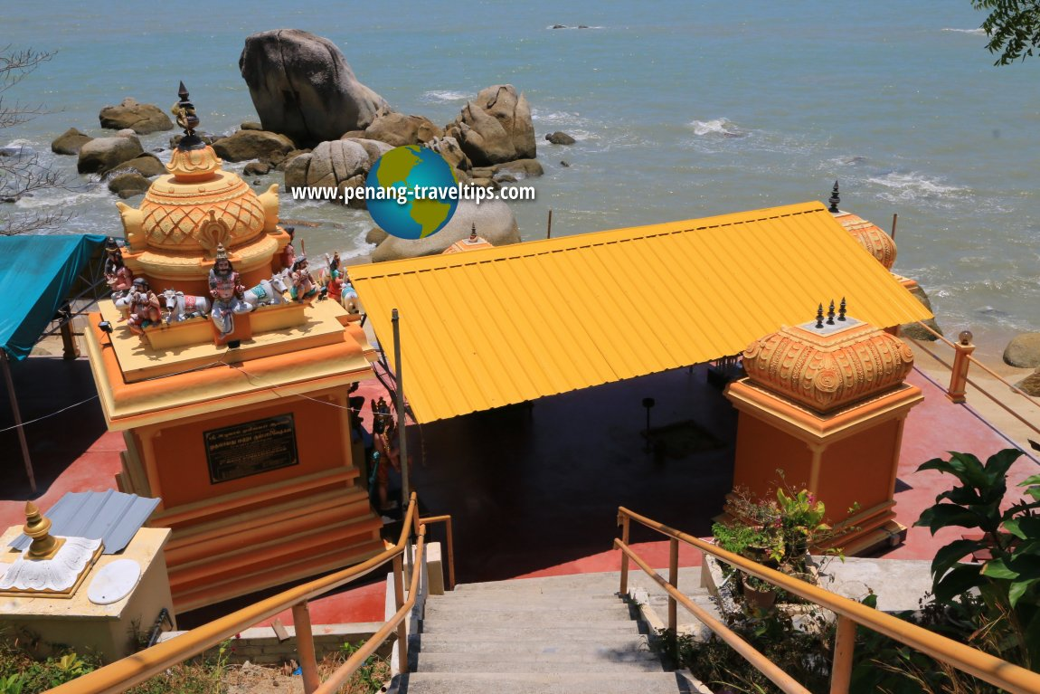 Sri Aluvang Muneeshwarar Temple