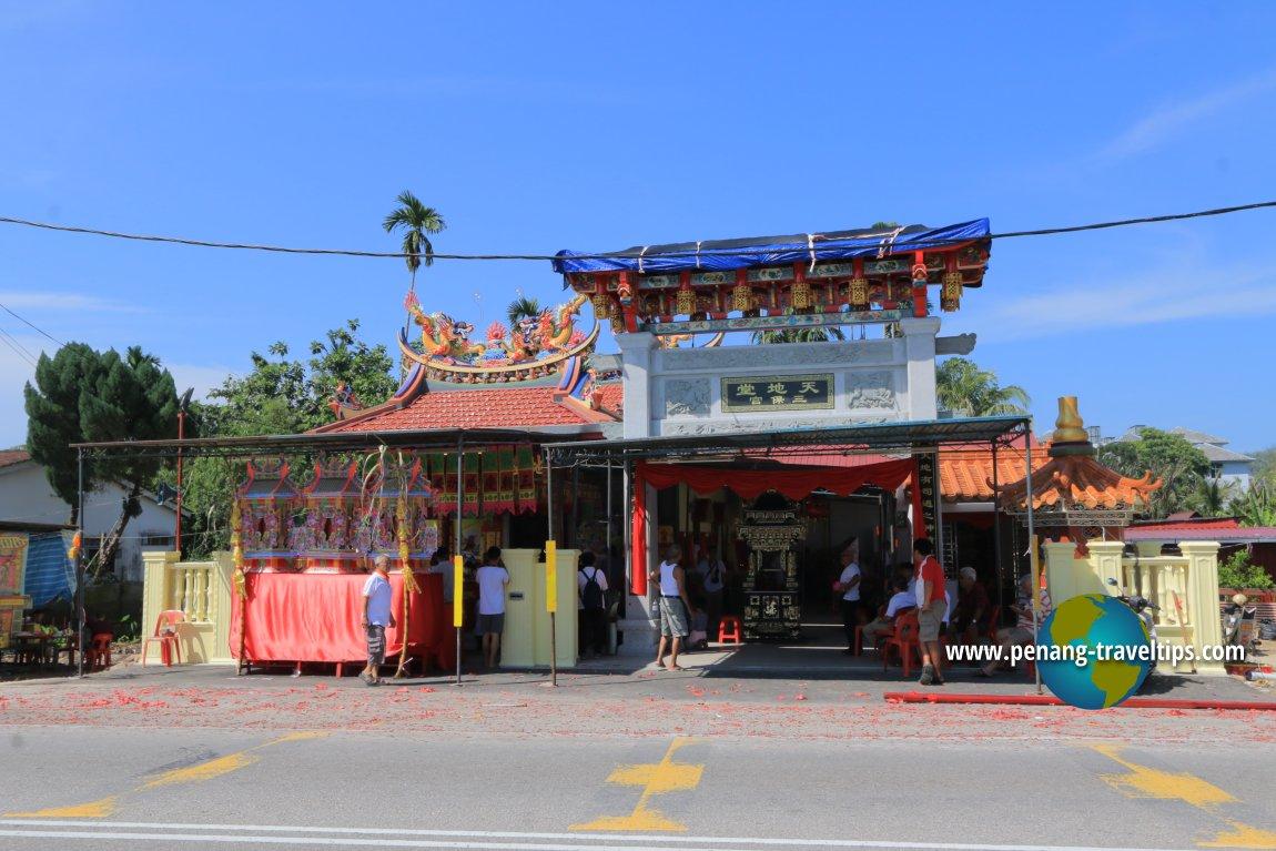 Thean Thay Tong Sum Poh Keong Temple, Teluk Air Tawar