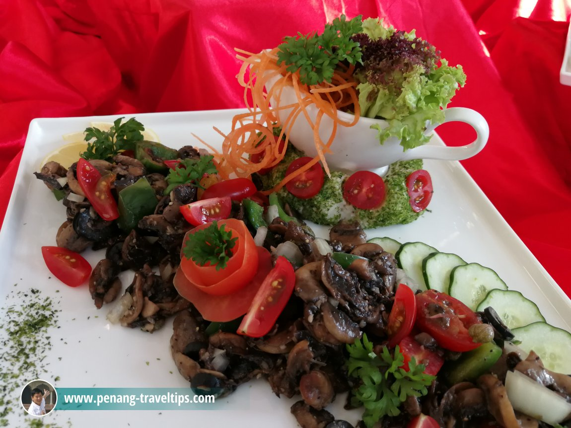 Preview of Eastin Hotel Penang's Christmas Buffets