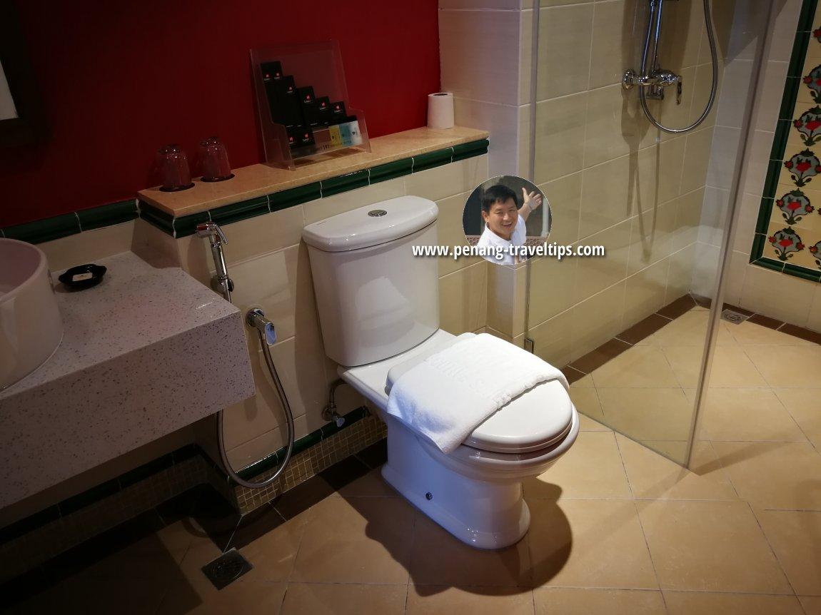 Washroom, Baroque Suite, M Summit 191