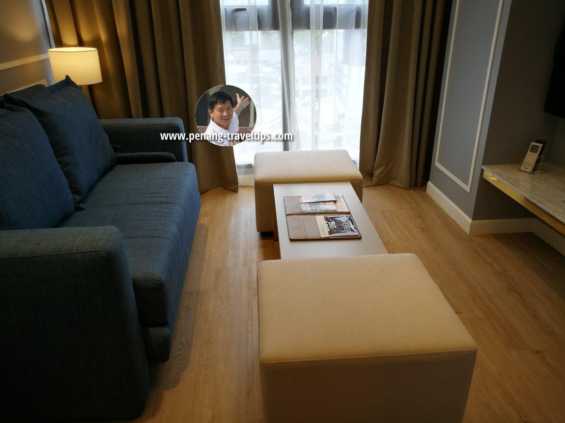 Living room, Razzle Business Suite, M Summit 191