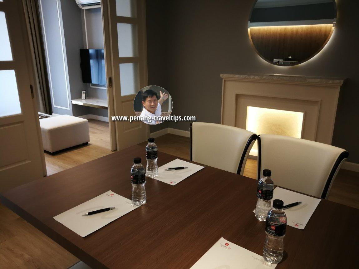 Work table, Razzle Business Suite, M Summit 191