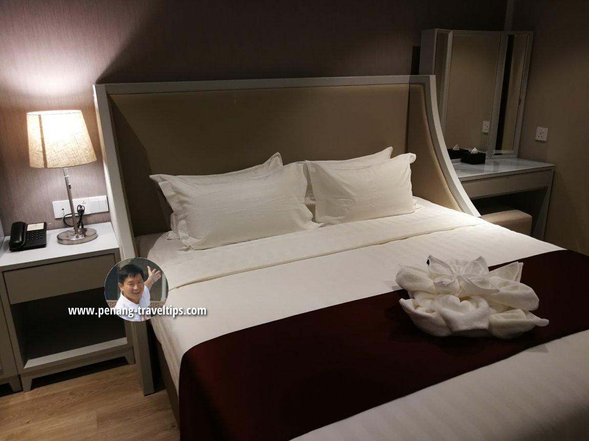 Bedroom, Razzle Business Suite, M Summit 191