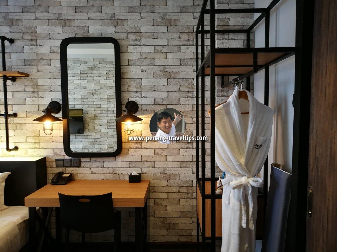 Open Wardrobe, Classic Business Suite, M Summit 191