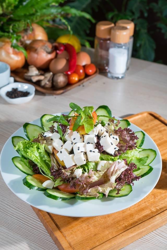 Japanese Tofu Salad with Roasted Sesame Sauce @ Mellowcup Cafe
