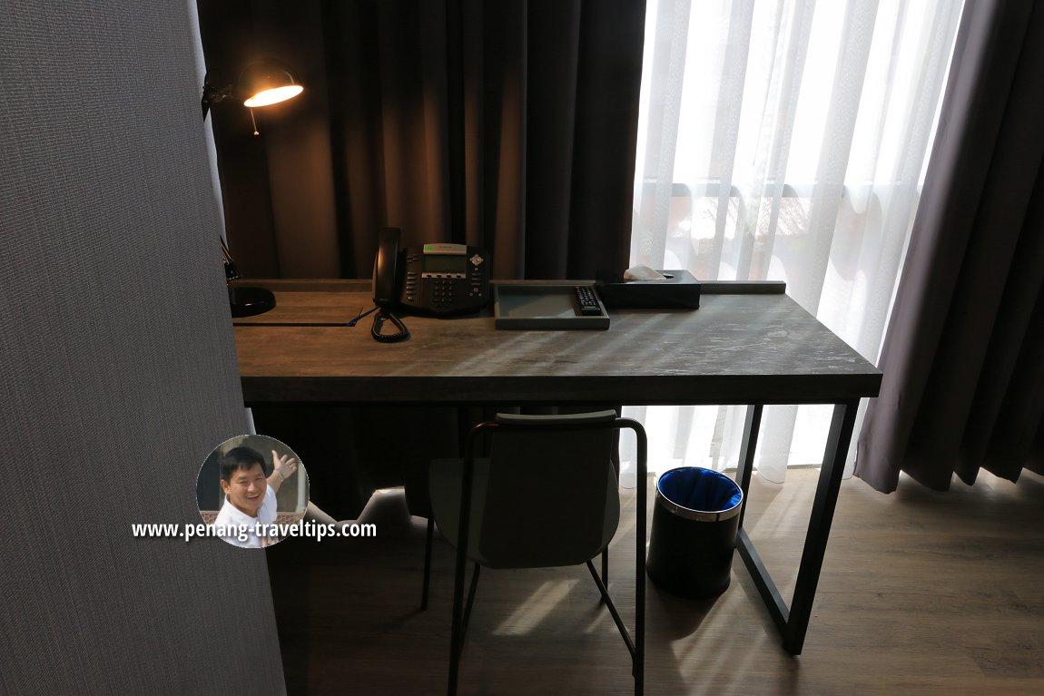 Writing desk in the Junior Suite