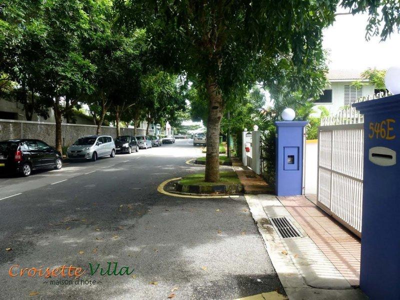 Croisette Villa driveway
