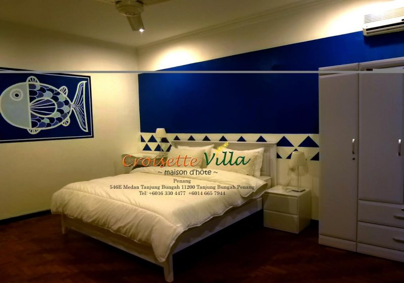 Croisette Villa guestroom