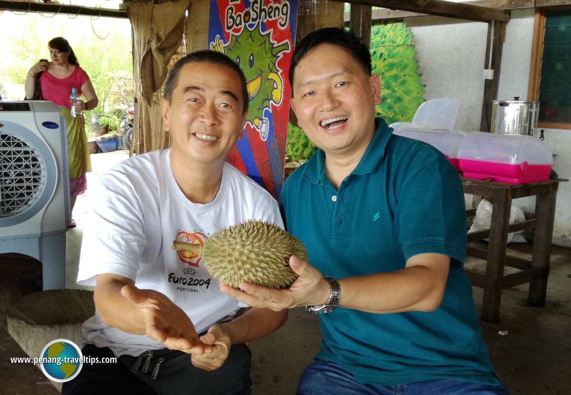 Timothy Tye with Mr Chang Teik Seng @ Durian Seng