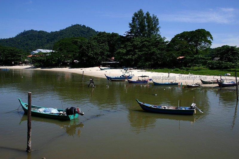 Fishing boat in Sungai Batu