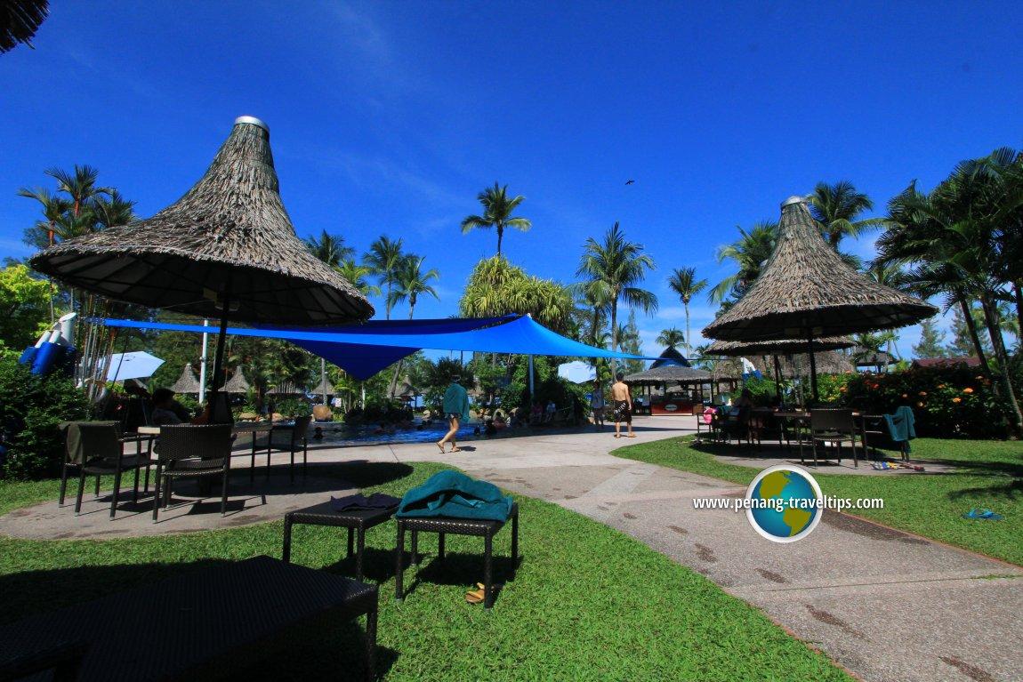Golden Sands Resort lawn