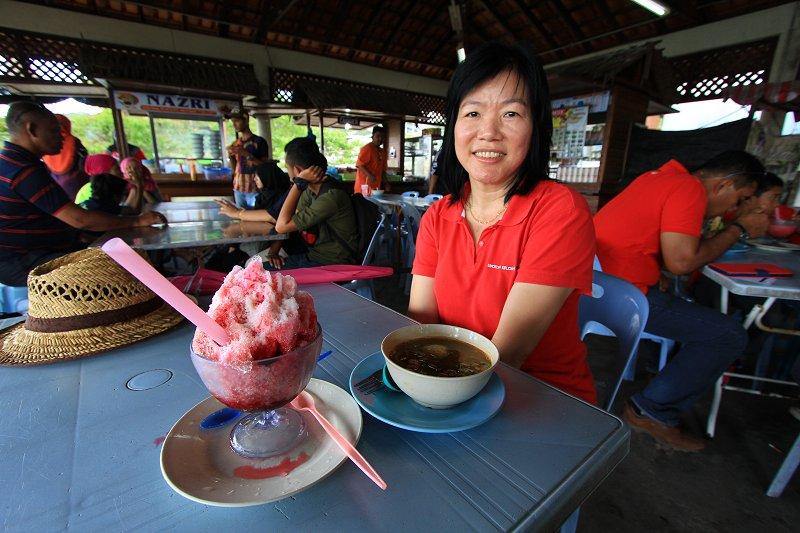 Food court at Kompleks Jeti Batu Musang