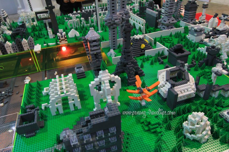 Lego models, The Living City