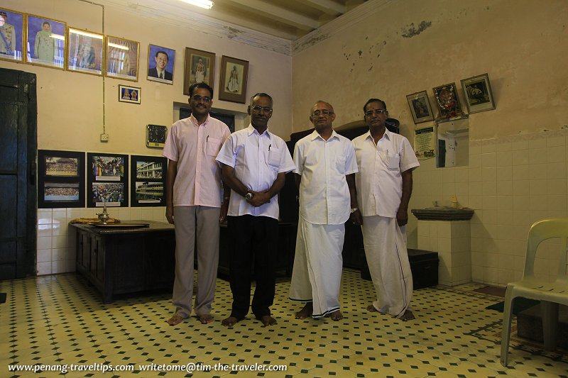 Members of the Nattukottai Nagarather of the Chettiar Kattangi