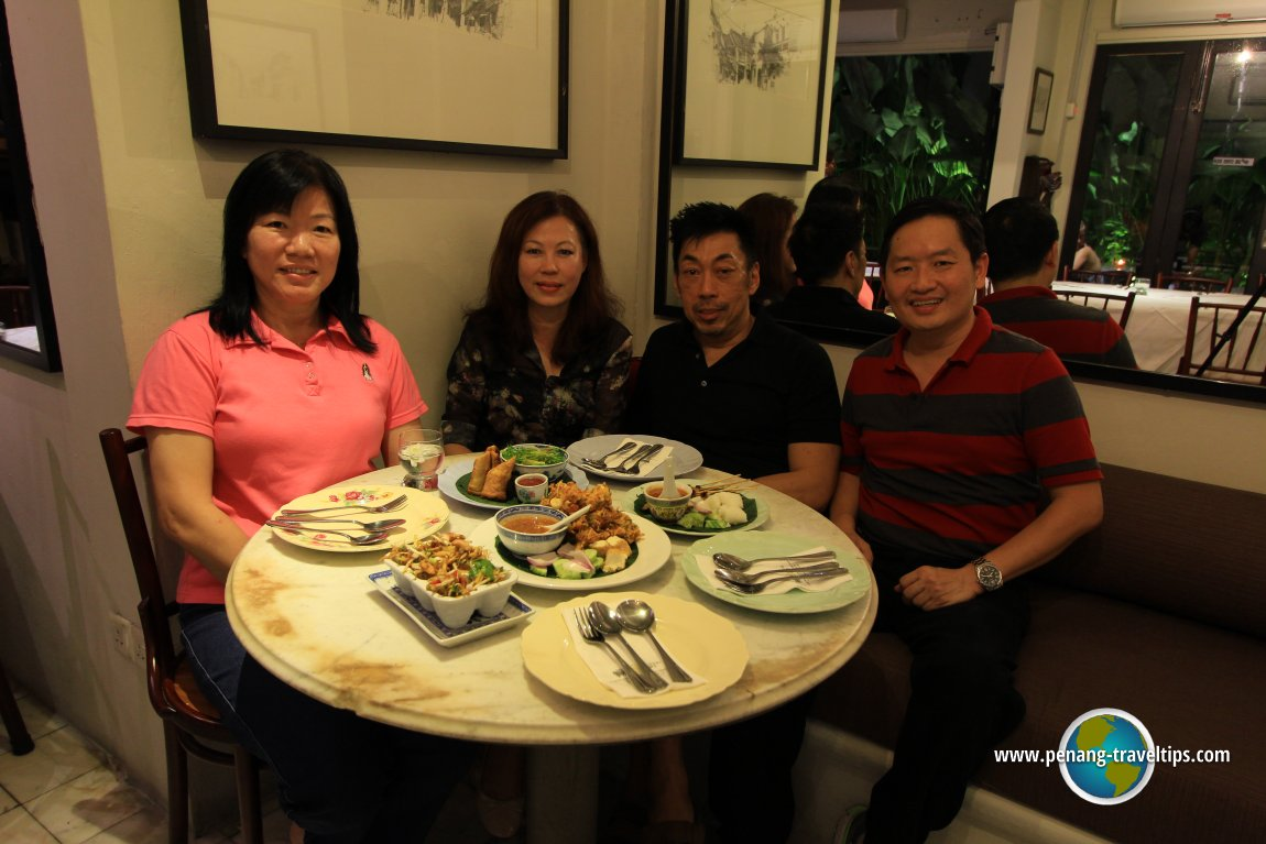 Dinner at Mews Cafe with Christopher Ong and Magdalene Ng