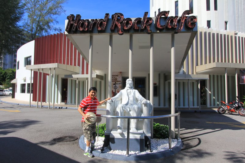 Here I am with the statue of Michael Jackson in front of Hard Rock Cafe, Penang