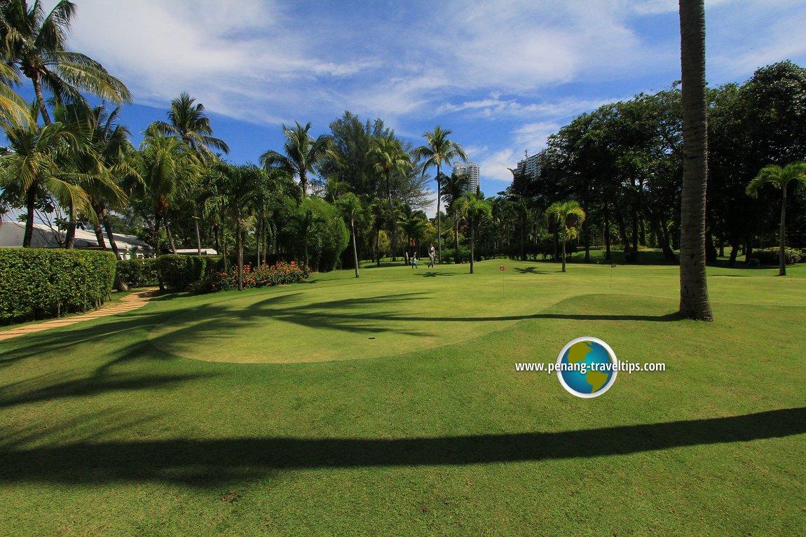 Par 3 pitch and putt golf course, Rasa Sayang Resort