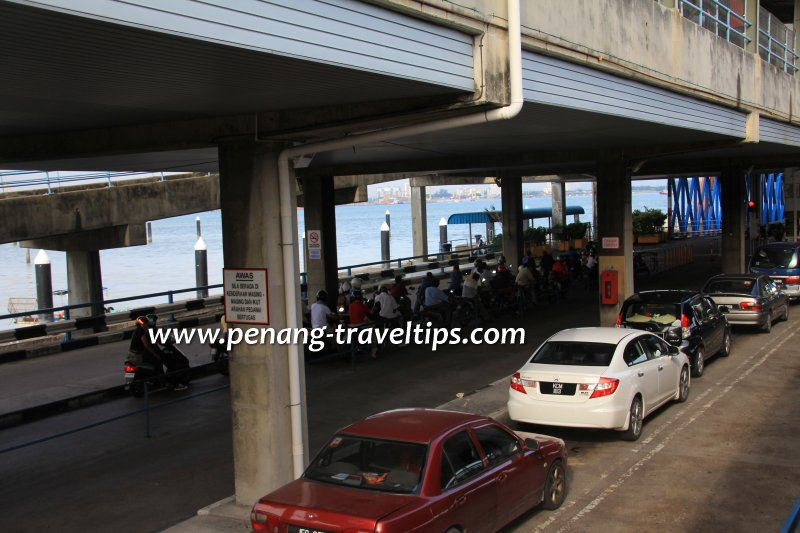 Penang Ferry Terminal, cars and motorcycles queuing to board