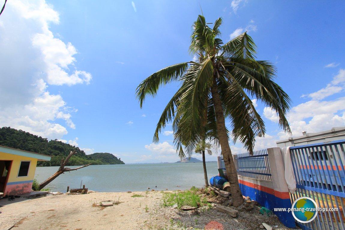 Pulau Aman seaside