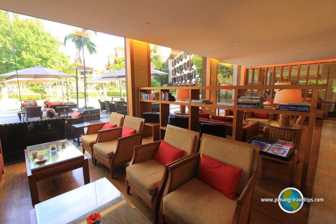 The large reading area at Rasa Sayang Resort