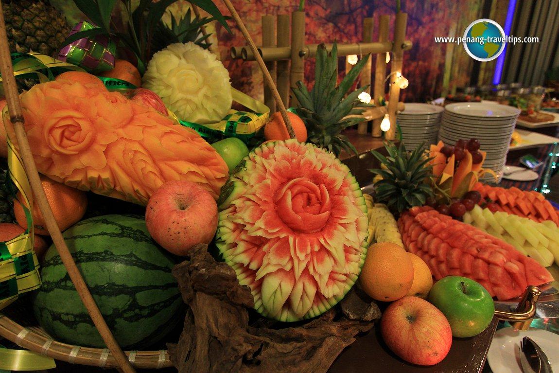 Sunway Hotel fruit carving