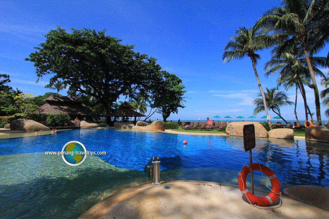 The huge swimming pool of Rasa Sayang Resort