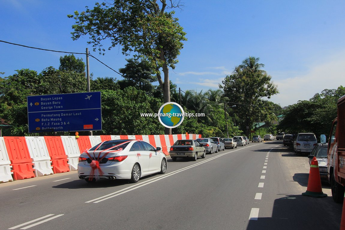 Teluk Kumbar road widening