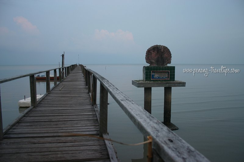 Teluk Tempoyak old pier