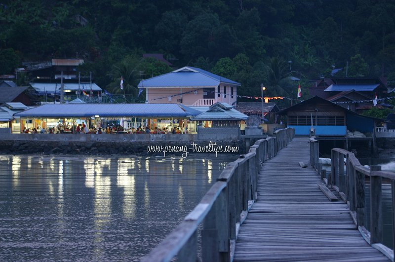Teluk Tempoyak seafood restaurant
