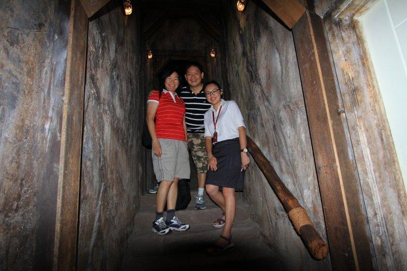 Goh Chooi Yoke, Timothy Tye and Denise Tang at the PG Gold Museum