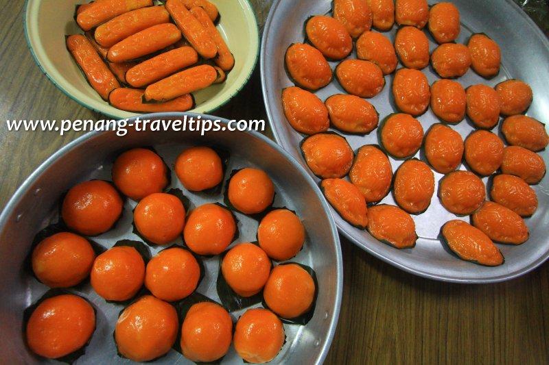 Trays of Ang Koo