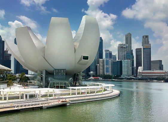 ArtScience Museum and the Singapore skyline at Marina Bay