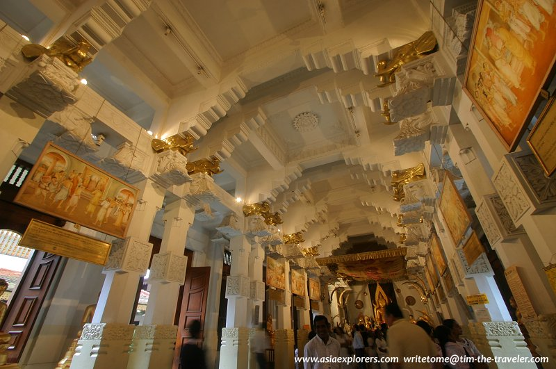 Ceiling of the Prayer Hall, Sri Dalada Maligawa