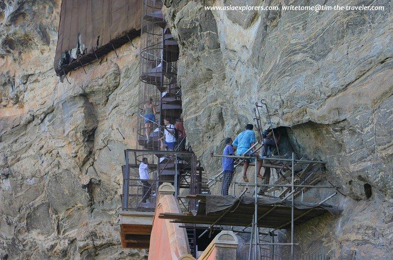 Spiral staircase, Sigiriya