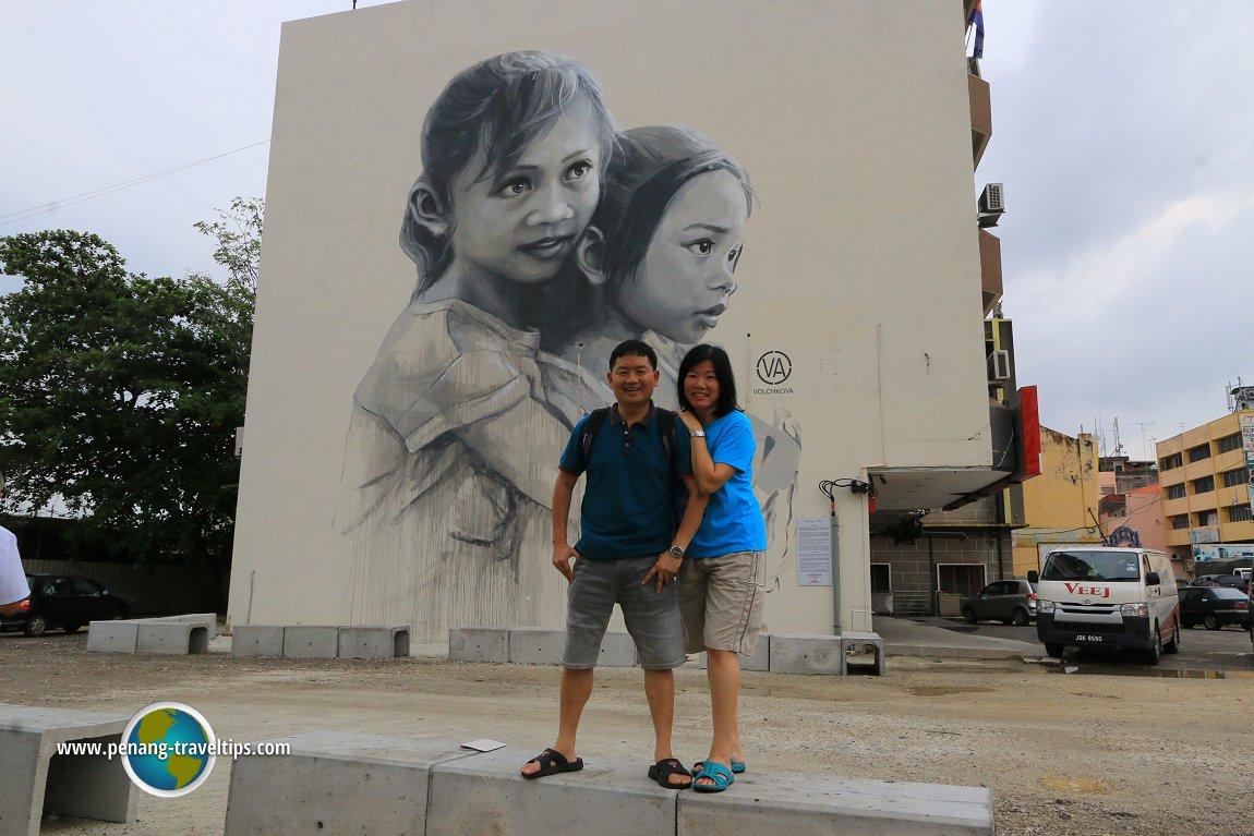 The loving sisters mural muar for Mural 1 malaysia negaraku
