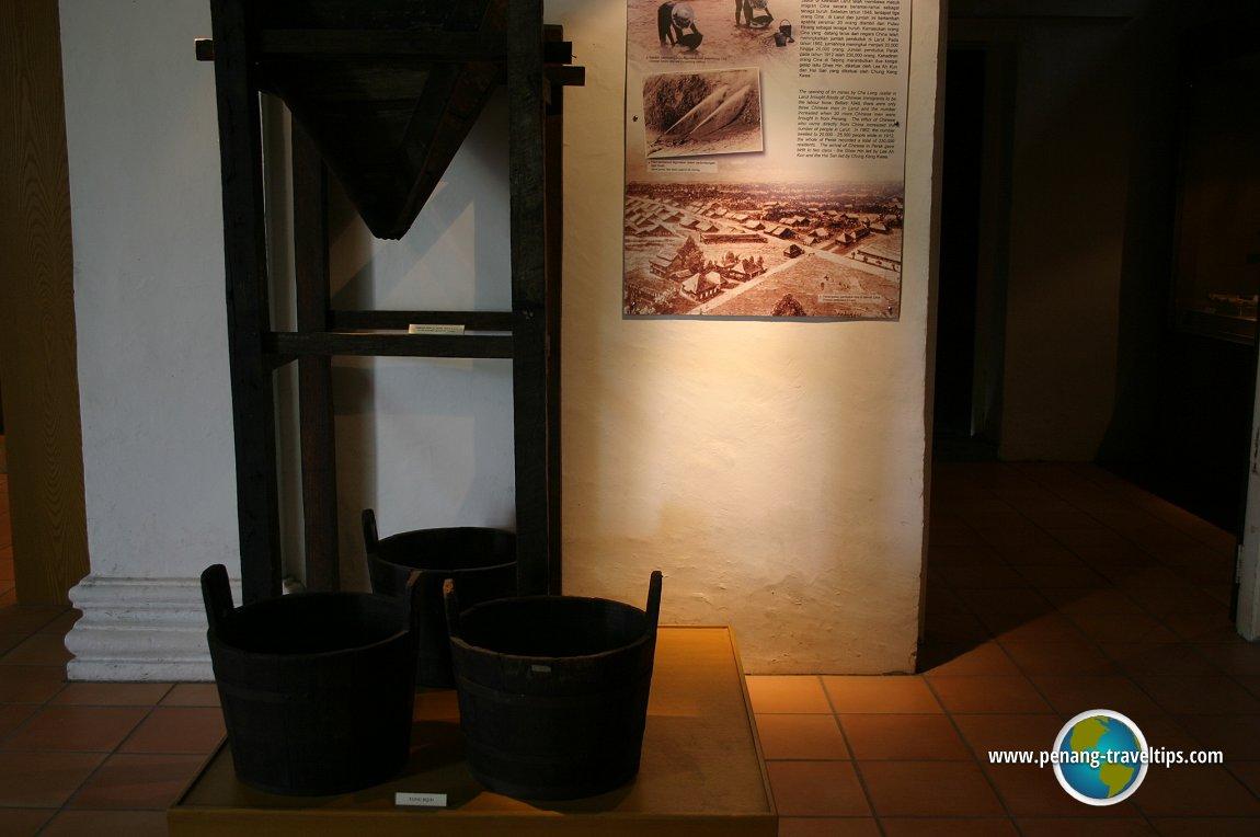Tin ore buckets