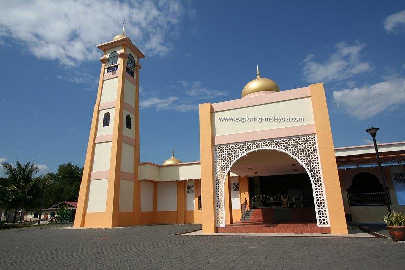 Masjid Al-Muqarrabin, Behor Empiang, Perlis
