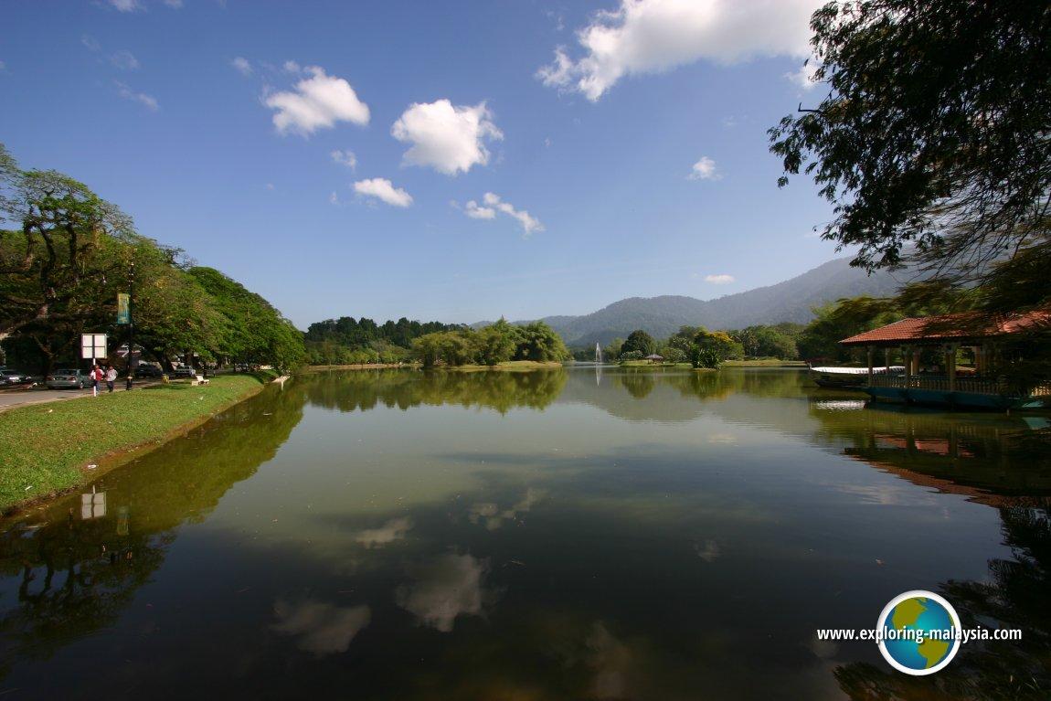 Tranquility at the Taiping Lake Gardens