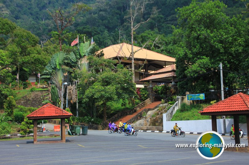 Car park at Titi Hayun