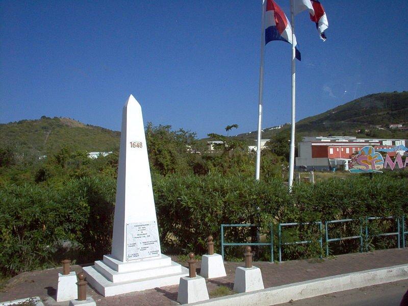 Border marker between Saint Martin and Sint Maarten