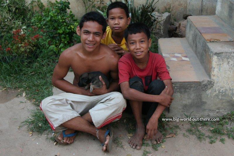 Children in Angkor