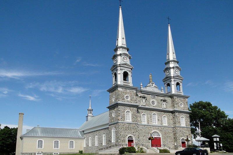 Église Notre-Dame-de-Bonsecours, historic church in I'Islet, Quebec
