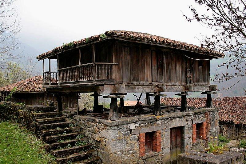 Hórreo Pola de Luna, an old granary in Asturias, Asturias