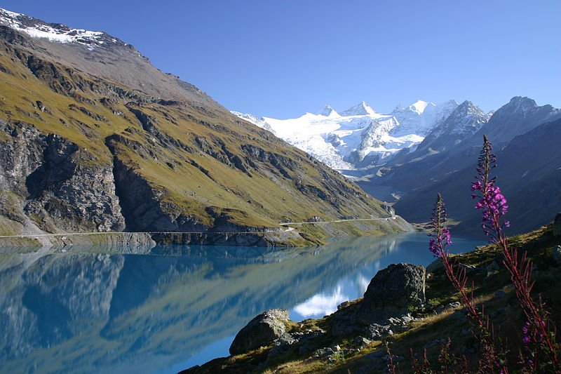 Lac de Moiry in Valais, Switzerland