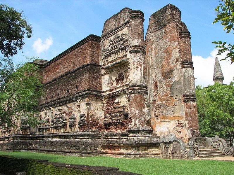 Lankatilaka Temple, Polonnaruwa