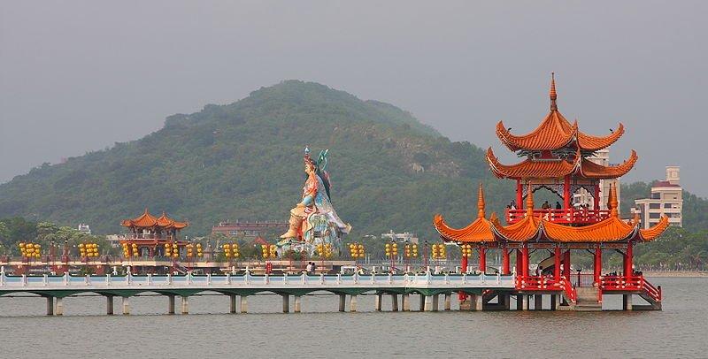 Lotus Lake Pagoda, Kaohsiung