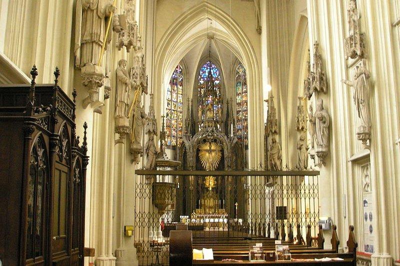 Maria am Gestade interior, Vienna