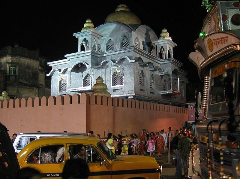 Night time in Aharitolla, Kolkata
