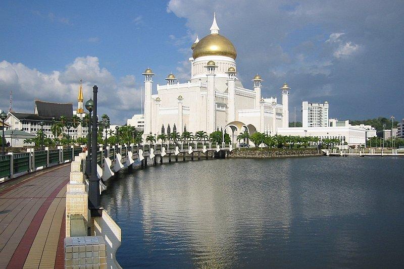 Omar Ali Saifuddin Mosque