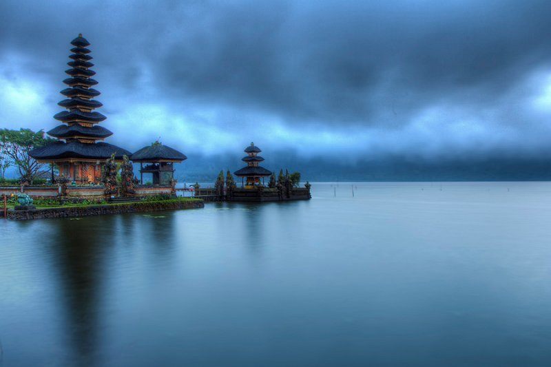 Pura Ulun Danu Bratan during the blue hour